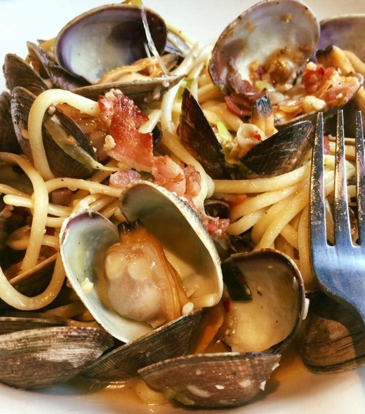 clams, bacon, pasta